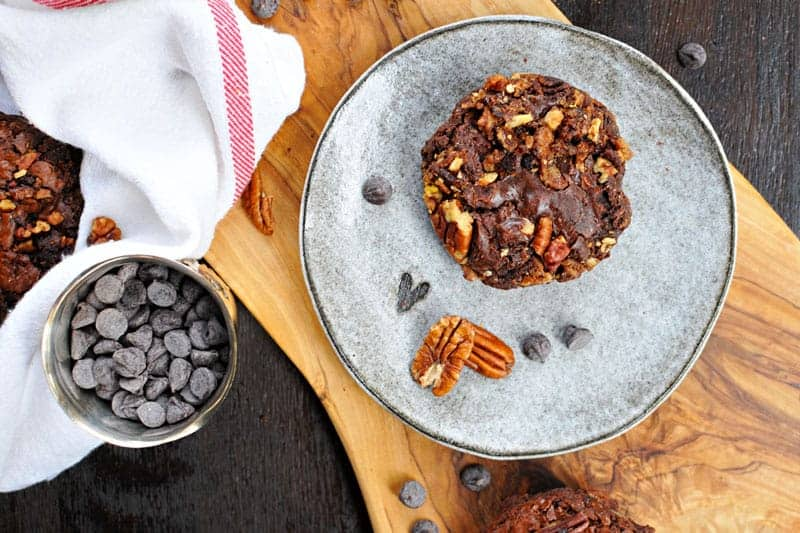 olive oil brownies with candied bacon + pecans (via thepigandquill.com) #chocolate #baking #dairyfree