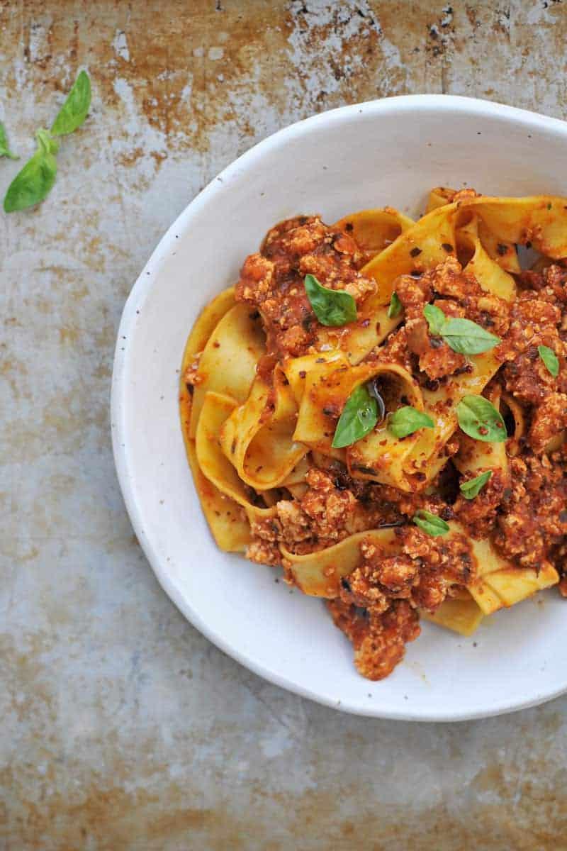 fennel spiced tofu bolognese // fauxlognese recipe (via thepigandquill.com) #vegan #fall #pasta