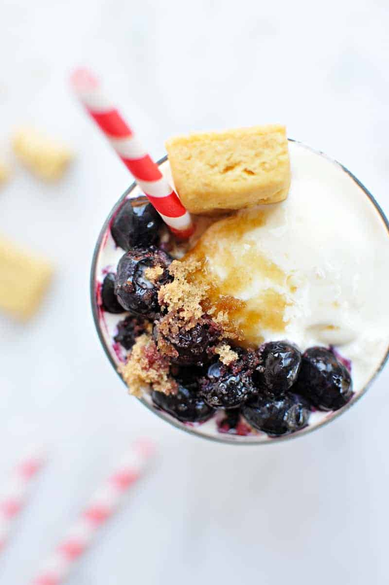 Brown Sugar Blueberry Pie Shakes recipe (via thepigandquill.com) #milkshake #icecream #summer #drinkthesummer