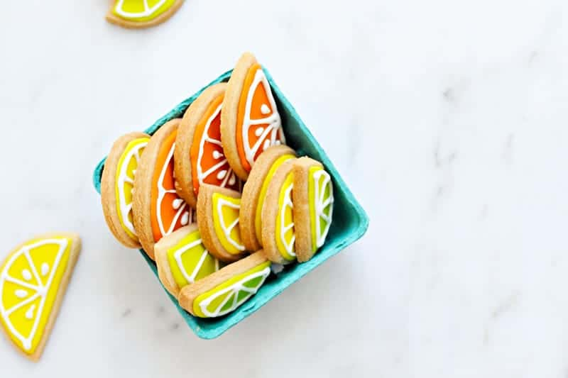 4-Ingredient Rolled (Citrus!) Sugar Cookies recipe via thepigandquill.com #eggfree #baking #lemon #dessert