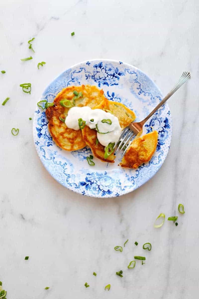 Cheesy Corn + Scallion Cakes with Maple Yogurt recipe (via thepigandquill.com) #breakfast #brunch #toddlerfood