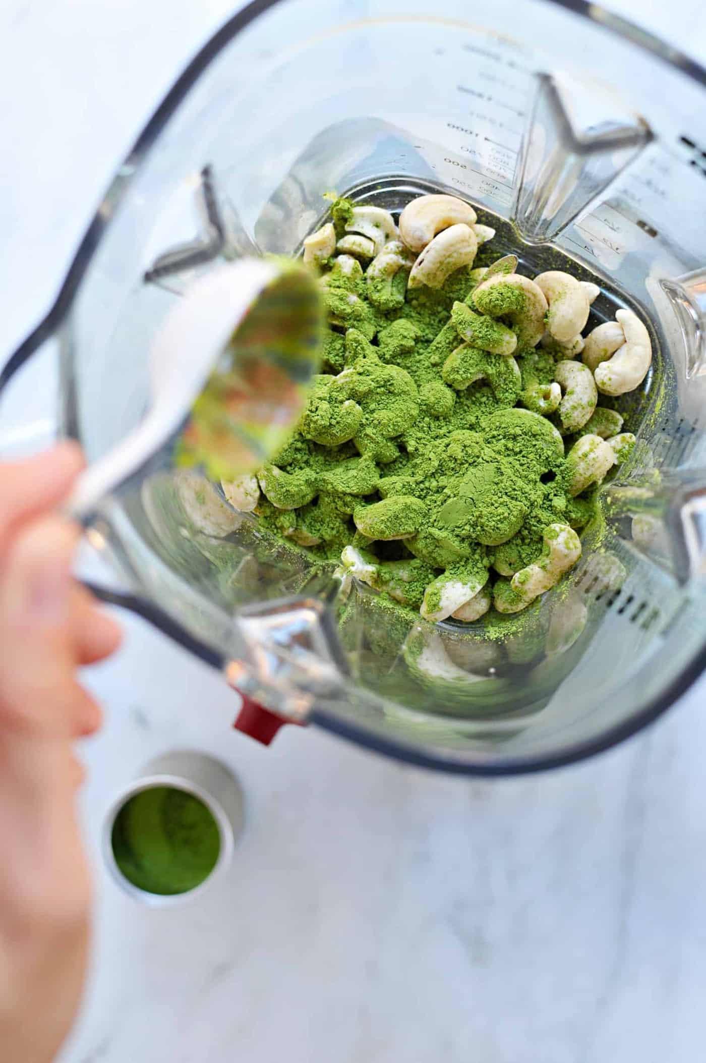 Creamy Cashew-Maple Matcha Lattes (Vegan) via thepigandquill.com #dairyfree #greentea
