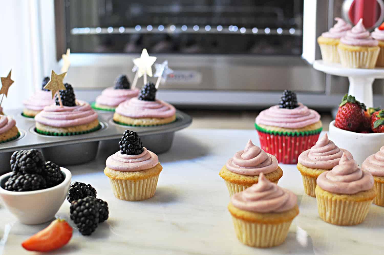 Vanilla Cream Cheese Cupcakes with Blackberry Lemon Buttercream recipe (via the pigandquill.com) #dessert #baking