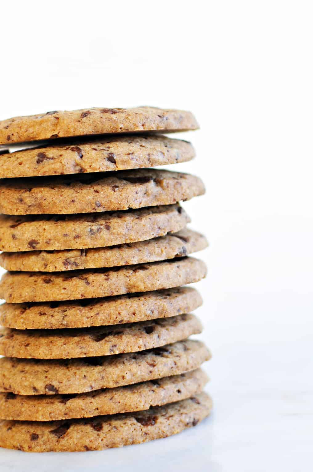 Chocolate Chip Cookie Crisps (via thepigandquill.com) #vegan #glutenfree #baking #dessert
