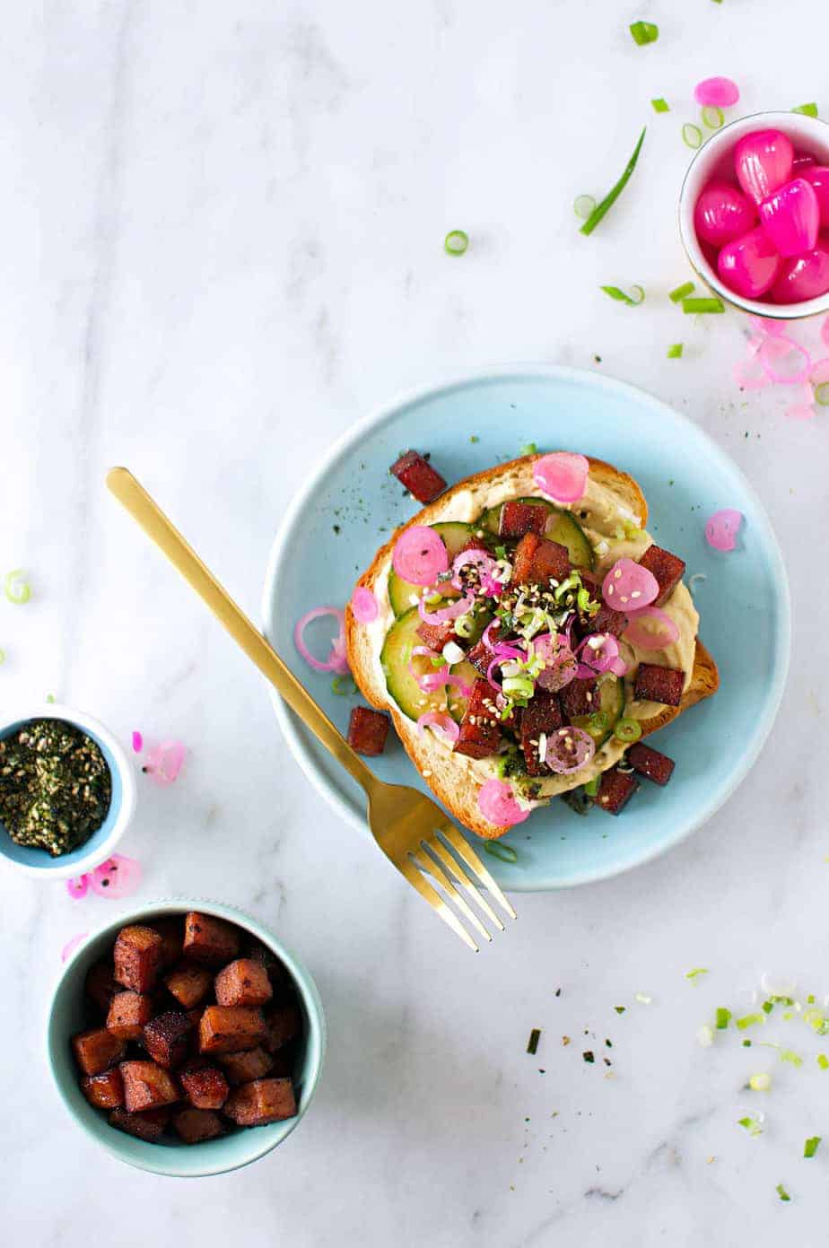 Hawaiian Hummus Toast recipe (via thepigandquill.com) #breakfast #brunch #spam #furikake #kimchi