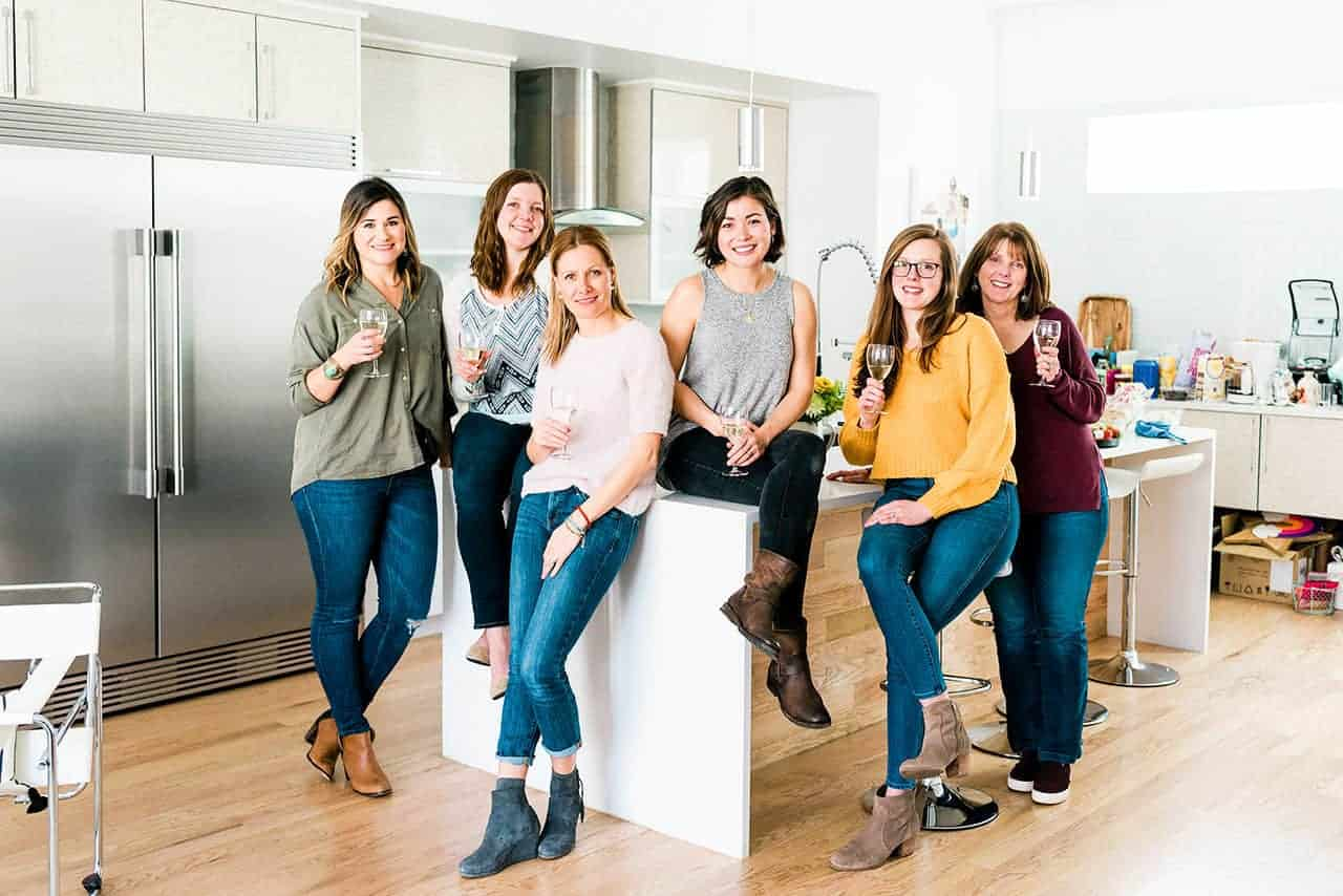 #TeamNosh: Leigh Ann (My Diary of Us), Kelly (Nosh and Nourish), Ale (Piloncillo y Vainilla), Emily (The Pig & Quill), Lexi + Beth (Crowded Kitchen)