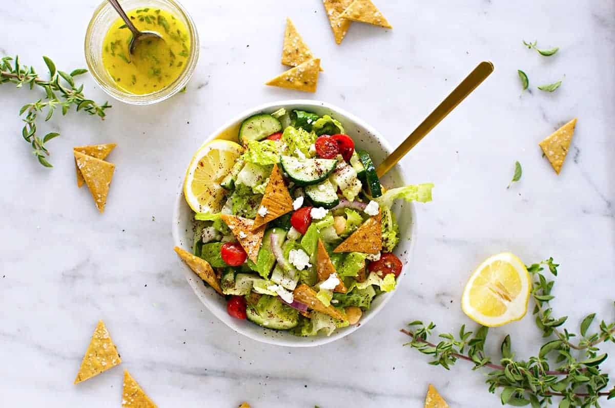 Gluten-Free Fattoush Salad with Za'atar Chickpea Crisps recipe (via thepigandquill.com) #vegetarian #greeksalad #mealplanning